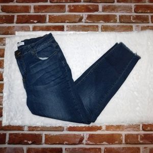 Encore Cropped / Ankle Jeans Juniors Size 13